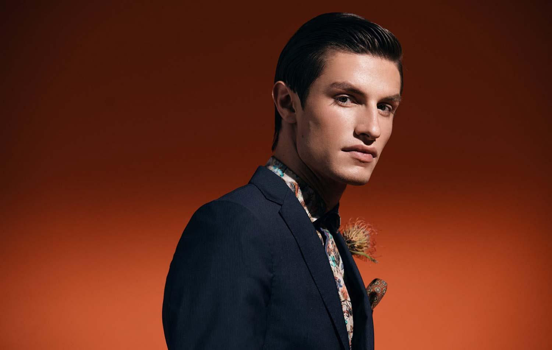 model-nick-flatt-img-maennermodel-male-magazine-editorial-flower-suit-elegeant
