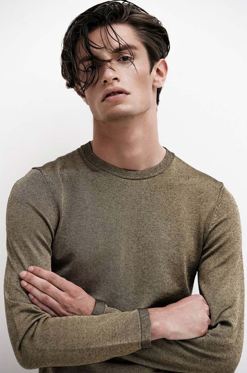 model-nick-flatt-img-maennermodel-male-wet-hair-organic-pullover-fashion-shooting-portrait