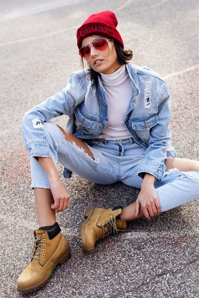 model-outdoor-jeans-red-beanie-parkloft-sunglasses