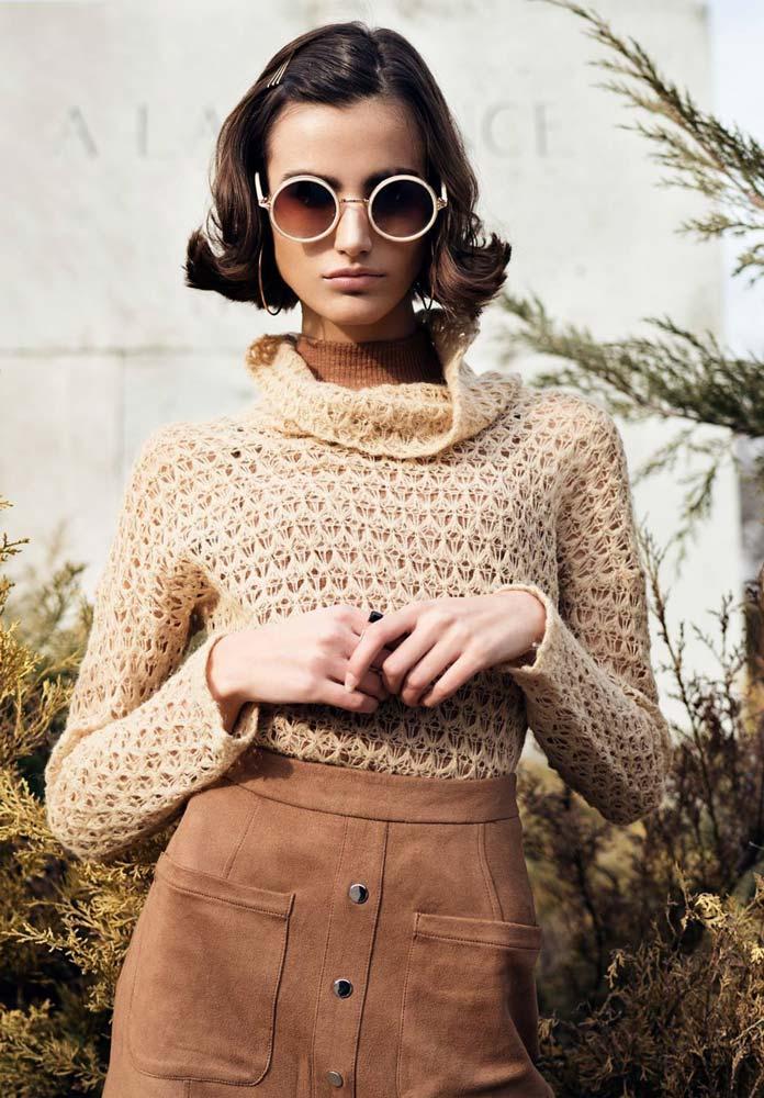 model-outdoor-jeans-red-beanie-sunglasses-portrait-brown-hair-beautiful-old-school-brown-skirt-knitwear